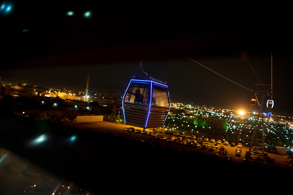 © Heber Vega 2011 | Shanadar Park, cable car - Erbil, northern Iraq.